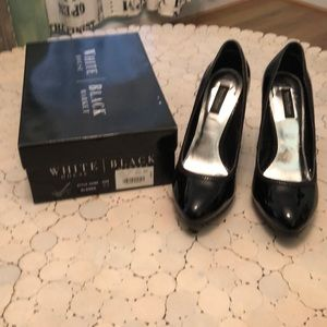 """Alanna"" patent leather platforms EUC 🎍"